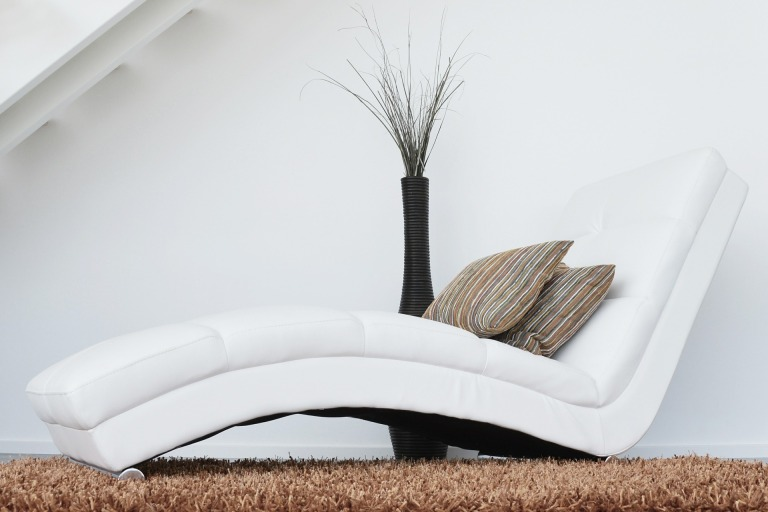 couch-447484_1920
